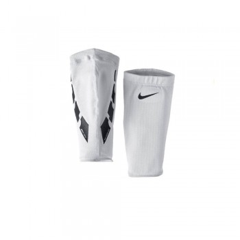 Manicotti Nike Guard Lock...